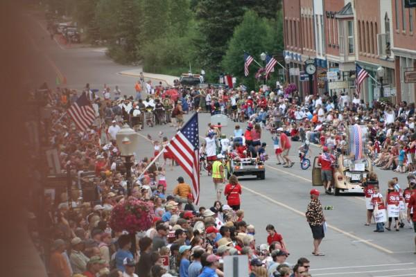 Crowd shot, 2009 parade